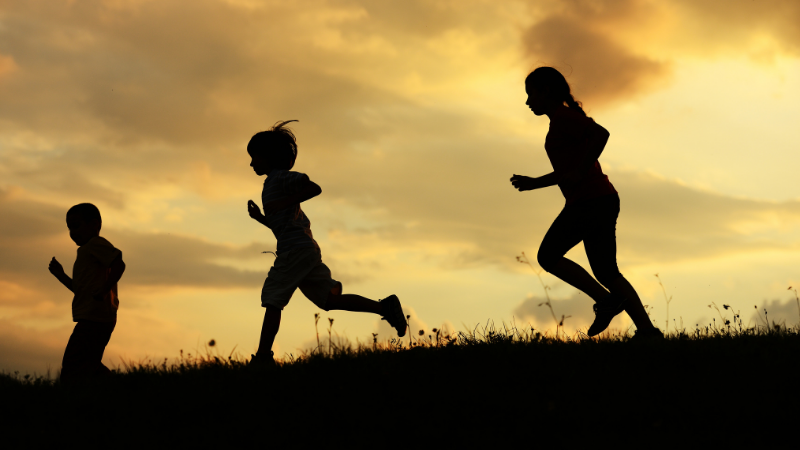 Playing outdoors can make children happier